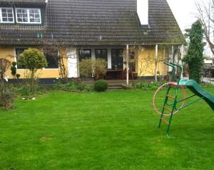 Dags att ge gräsmattan näring för en aktiv sommar.
